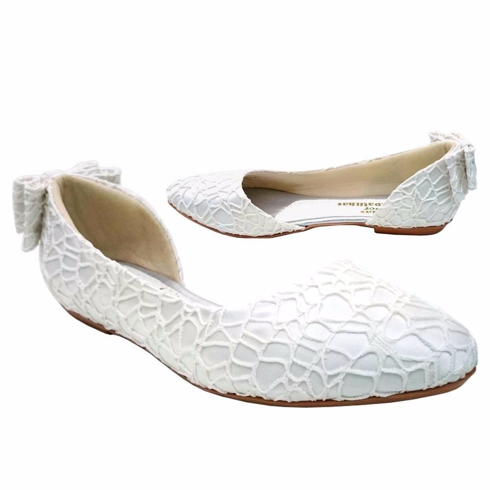 5179f62f0d sapatilha feminina para noivas com laço atrás. Carregando zoom.