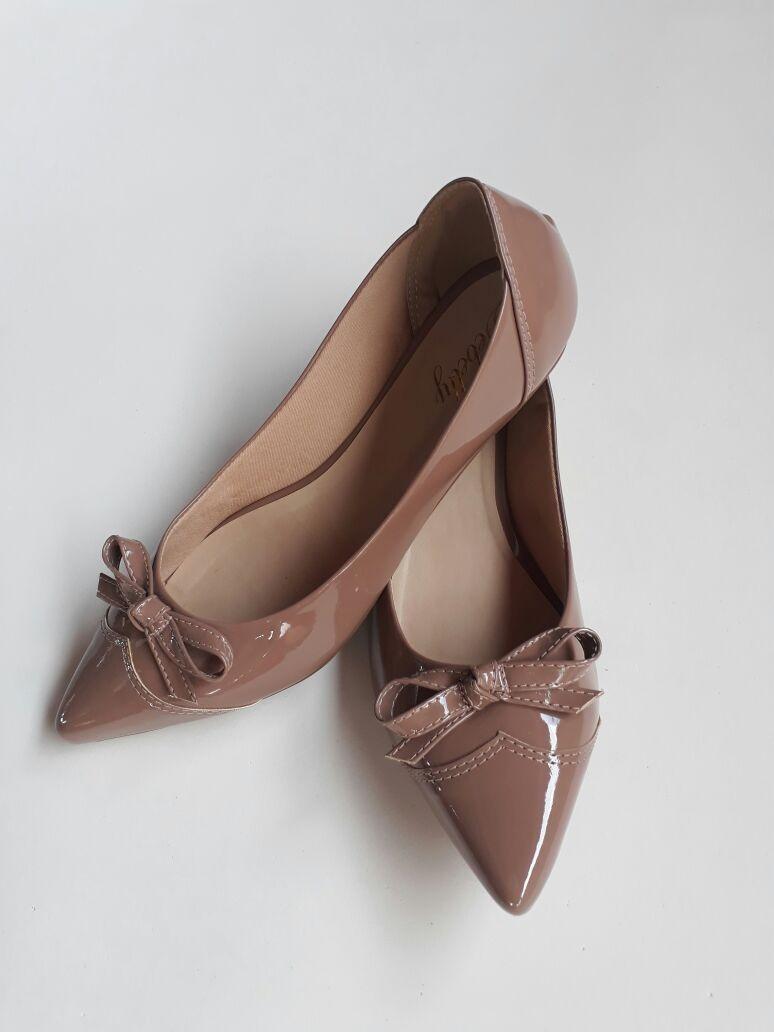 0ed7af18d sapatilhas feminina bico fino verniz confortável rasteira. Carregando zoom.