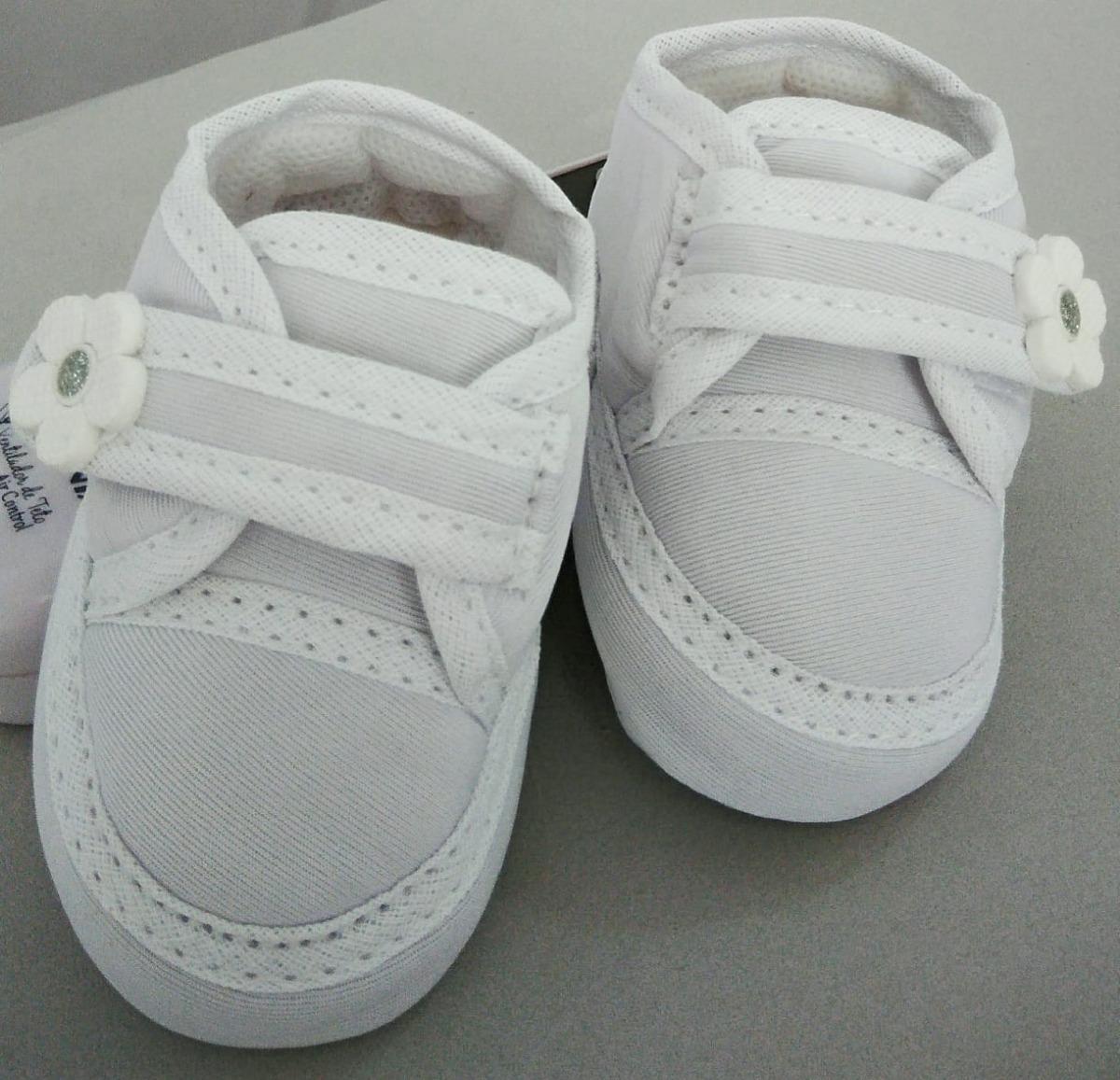 8e04c2ca90 sapatinho de bebe branco menina tenis crepe lindo batizado. Carregando zoom.