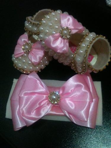 sapatinho personalizado para bebe perola e strass rosa