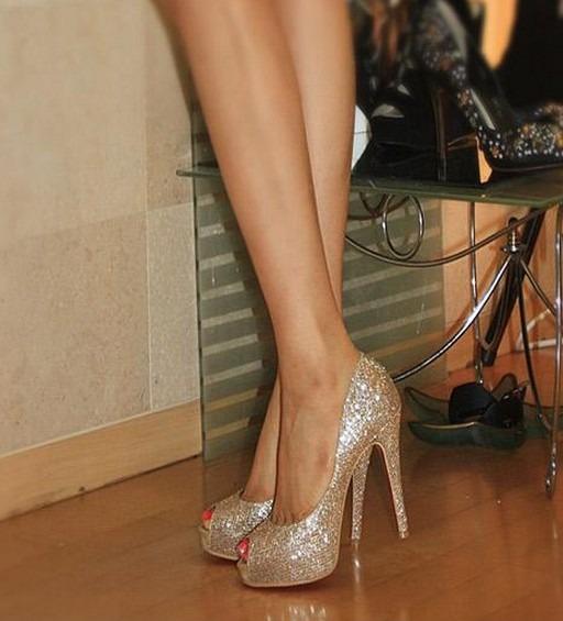 e7118a614 Sapato Alto Dourado - R$ 199,00 em Mercado Livre