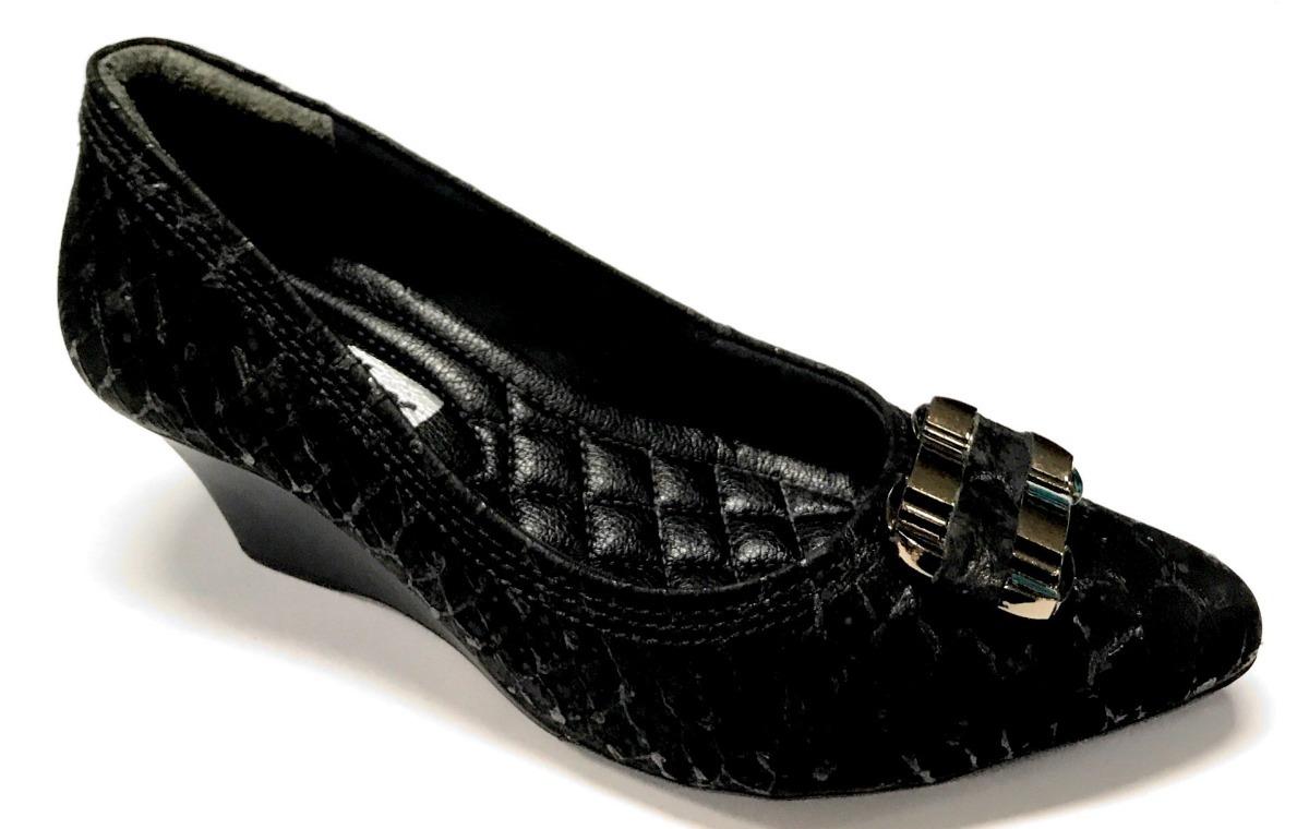 e78e6004d8 sapato anabela feminino comfortflex bico fino salto médio 6. Carregando zoom .