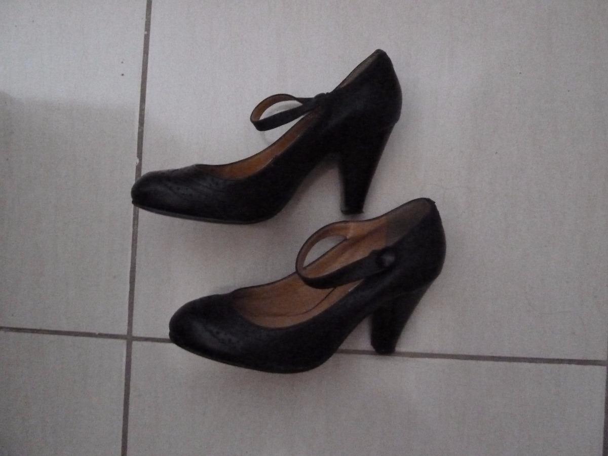 0385b10f12 Sapato Boneca Bottero De Couro Preto 36 - R  125