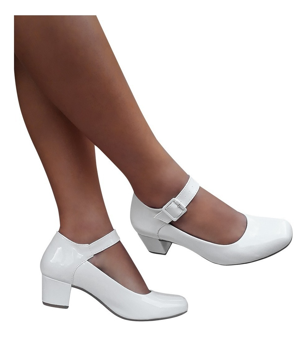 ef07e9f717a35 sapato boneca branco ou preto bege verniz salto baixo grosso. Carregando  zoom.
