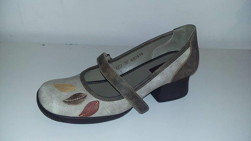 ab51b2e944 Sapato Boneca Em Couro J Gean (6007) - R  178