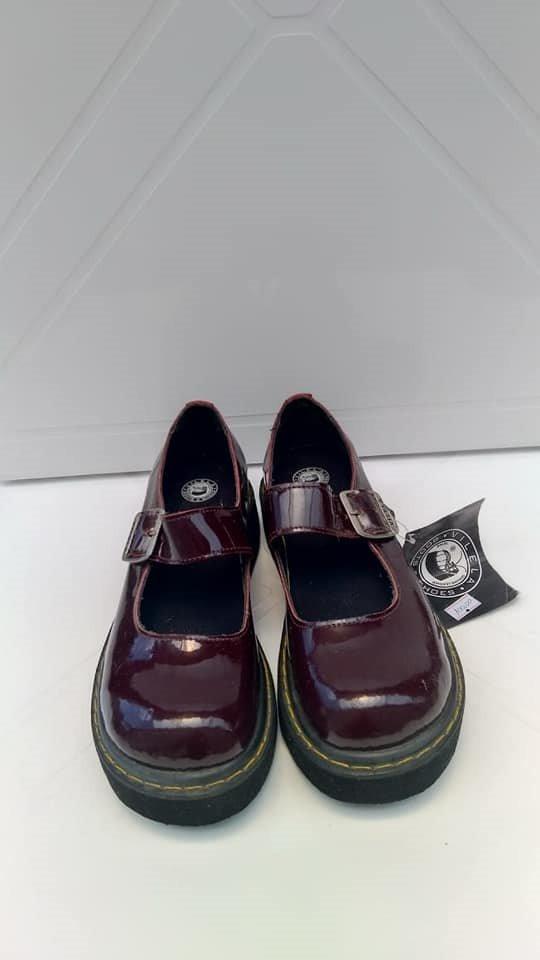 54d8bb1175 sapato boneca envernizado - frete grátis. Carregando zoom.