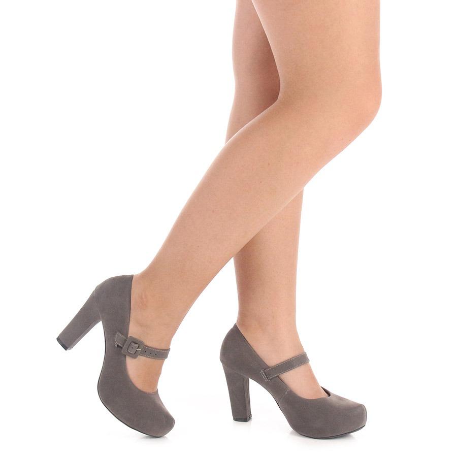 0f38e402d3 sapato boneca salto feminino lara - cinza. Carregando zoom.