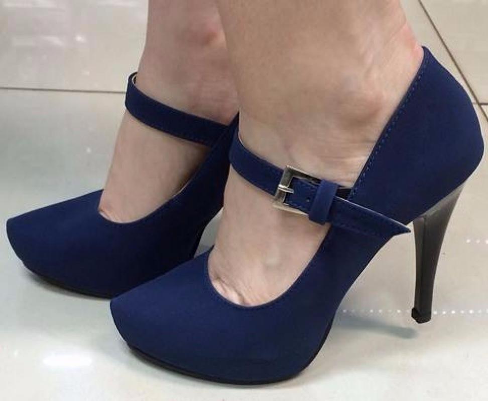 d68c621bc sapato boneca scarpin tira alto meia pata azul marinho fosco. Carregando  zoom.