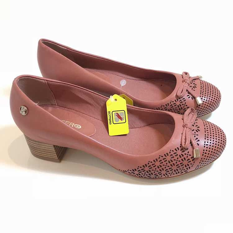 617703d079 Sapato Bottero 100% Couro Coleção Verão 2019 Número 35 - R  100
