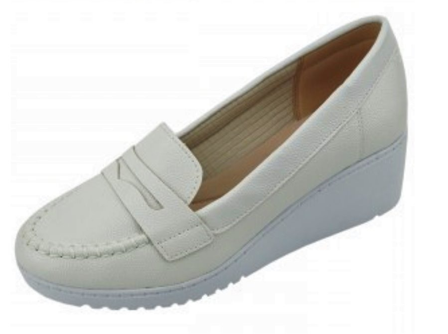d2bfc28db sapato branco enfermagem mocassim sola alta anabela azaleia. Carregando  zoom.