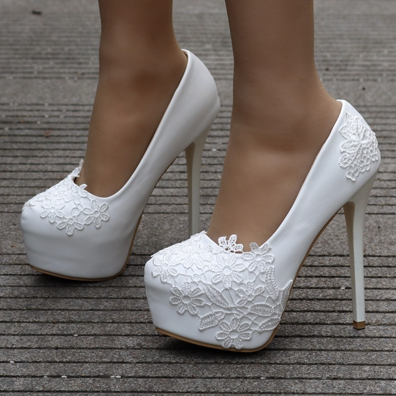 7495ff094 Sapato Branco Renda Noiva Casamento Festa Salto 'fli-a21' - R$ 219 ...