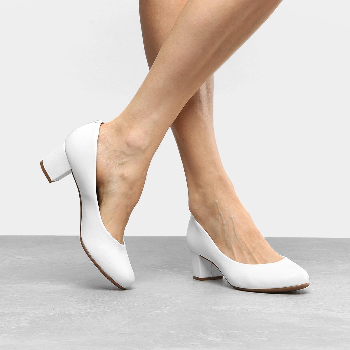4c35ba0a6f sapato branco scarpin beira rio salto grosso 5cm confort. Carregando zoom.