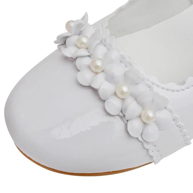 2e83dfbbd Sapato Branco Verniz Boneca Menina Noivinha Daminha Batizado - R$ 45 ...
