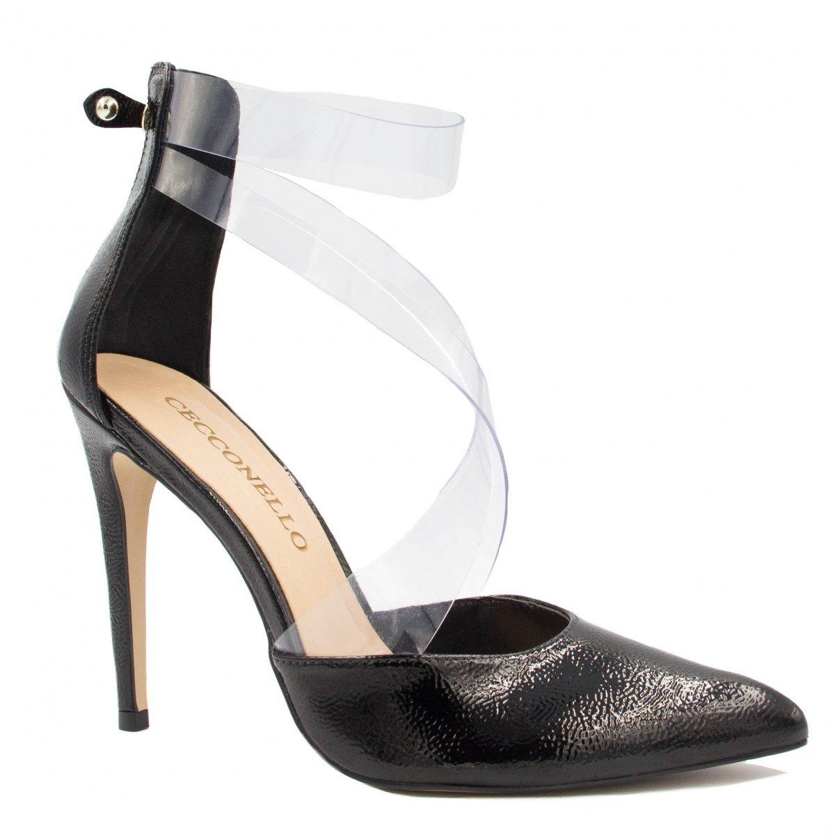5529ad594 Sapato Cecconello Scarpin Verniz Vinil Zíper 1346001 - R$ 259,99 em ...