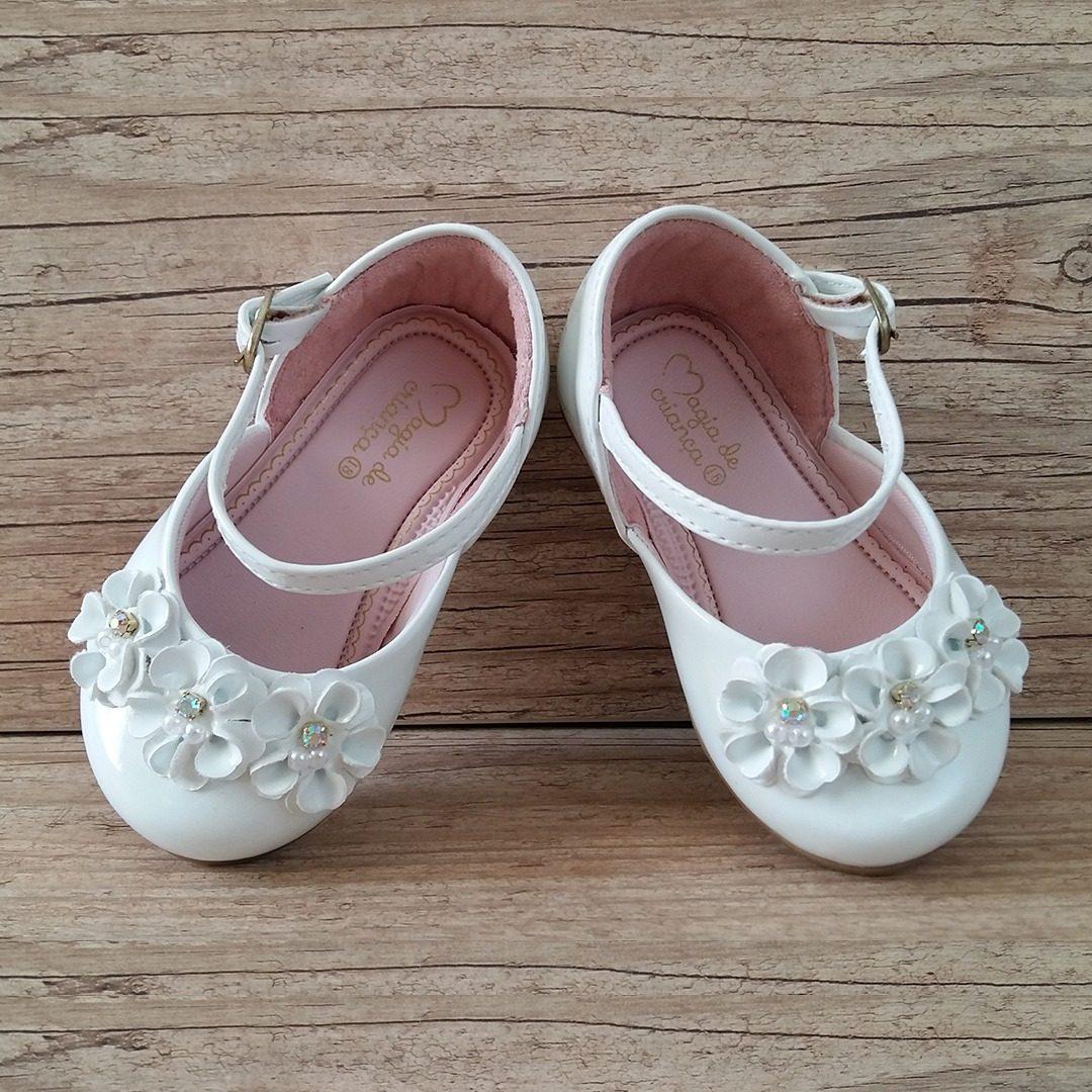 3fc9fc8286 sapato de festa infantil branco luxo sapatilha bebe princes. Carregando  zoom.