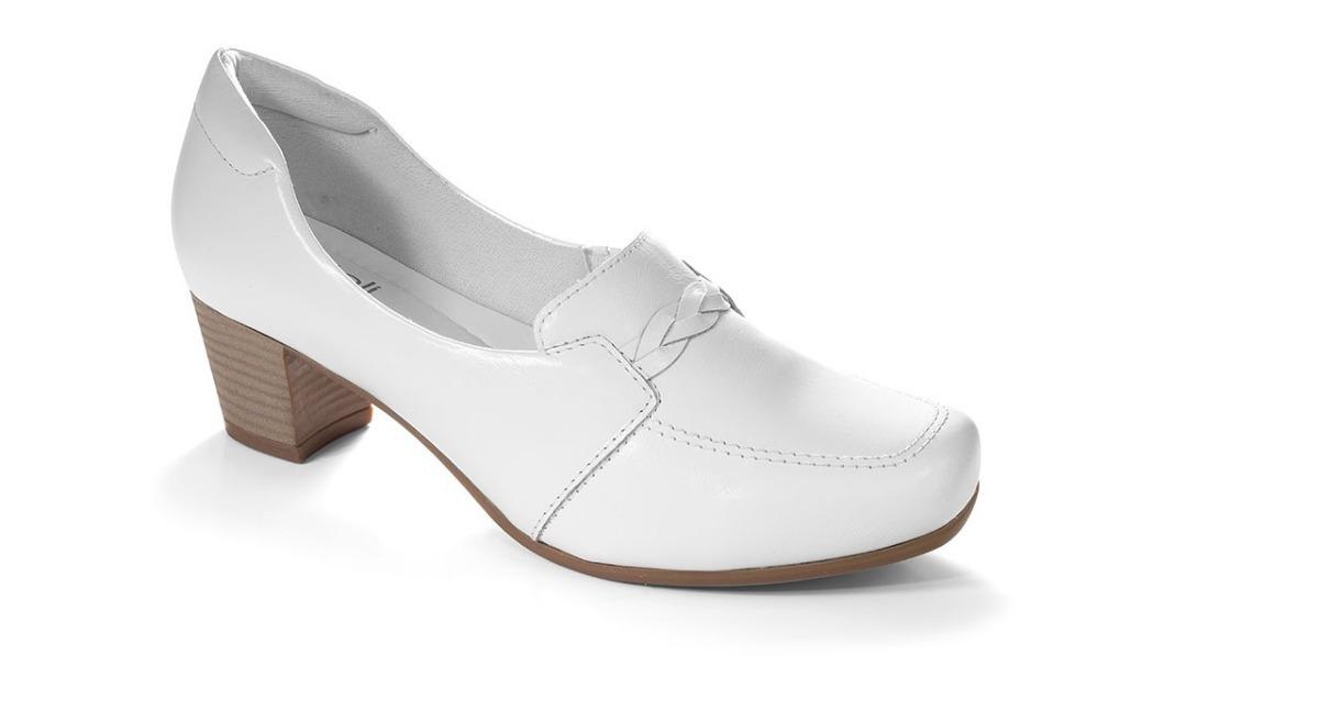 678be2ee82 Sapato Em Couro P  Profissional Da Saúde Clinic Comfort - R  239