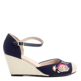 993fb92373 Sapato Bordado Roberto Oshiro Novo Feminino Anabela - Sapatos no ...