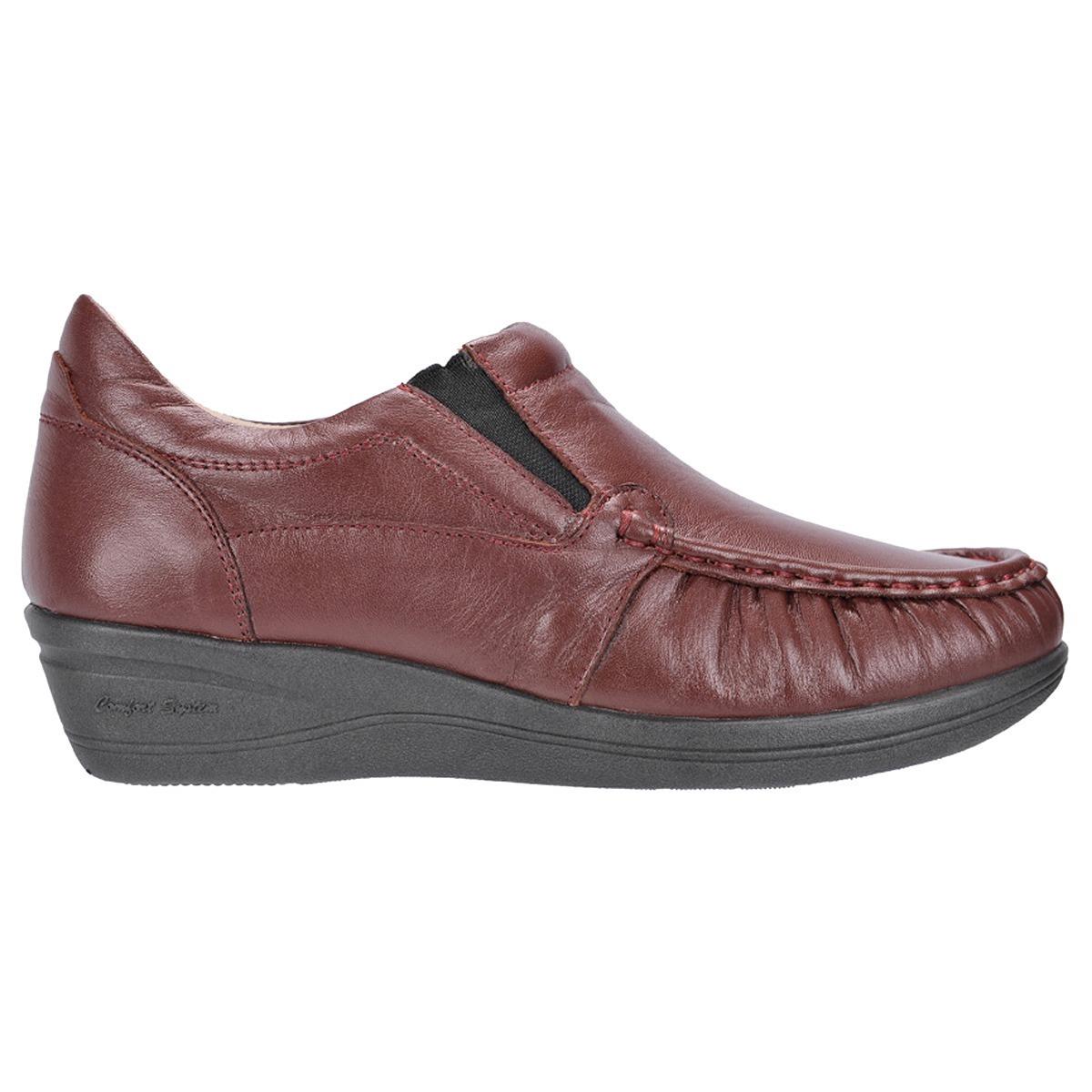 f94e3bbab3 Sapato Feminino Em Couro Anabela Extra Conforto Calça Fácil - R  205 ...