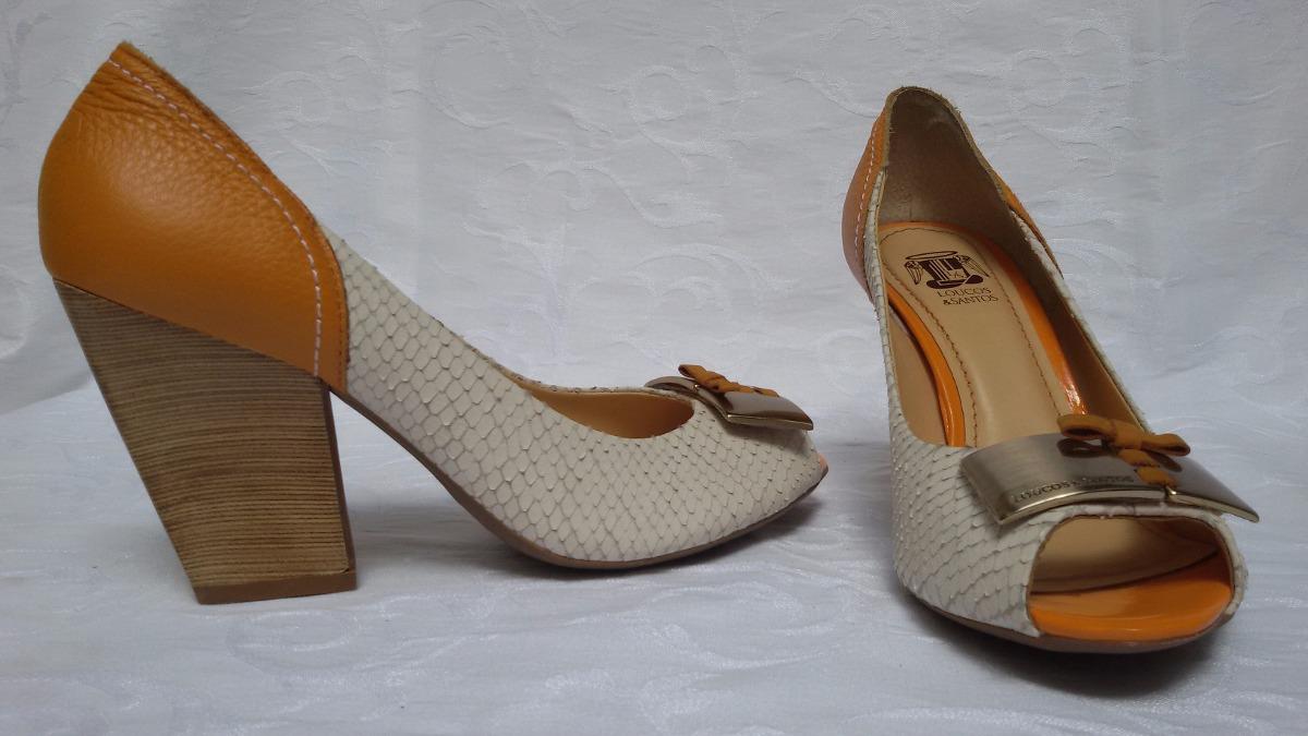 225999e21 Sapato Feminino Couro N.36 - Loucos & Santos - R$ 59,00 em Mercado Livre