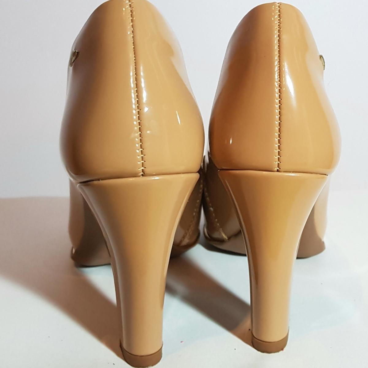 b4df2dbf9c Sapato Feminino Dakota  nude Verniz  - Meia Pata - Confort - R  142 ...
