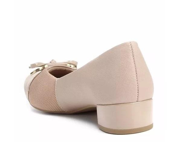 379480e1c Sapato Feminino De Couro Salto Baixo Joanete Usaflex V4609 - R  146 ...