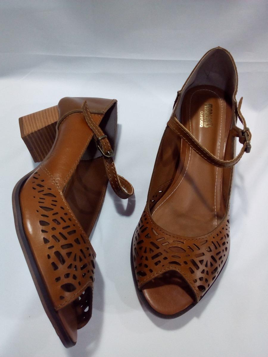 da10572b28 sapato feminino numeros especiais caramelo 5939b-1054p. Carregando zoom.