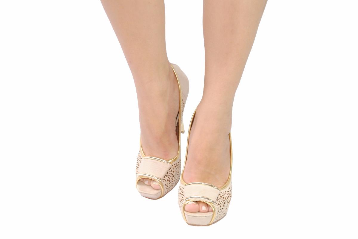 f5369203c4 Sapato Feminino Peep Toe Plataforma Salto Bege Festa Miucha - R  199 ...