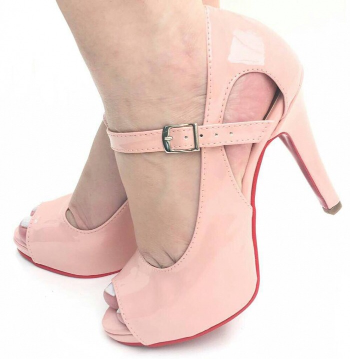 0d0dc87a1 Sapato Feminino Peep Toe Verniz Rosa - Sola Vermelha - R  130