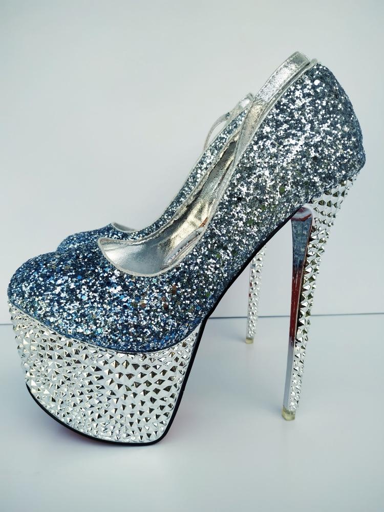 6aa4a2513 Sapato Feminino Plataforma Salto Alto - Frete Grátis - R$ 340,00 em ...