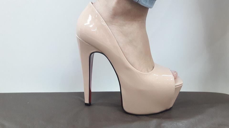 95b4e2420 Sapato Feminino Salto Alto Dom Amazona Verniz Nude Cód 38 - R$ 175 ...
