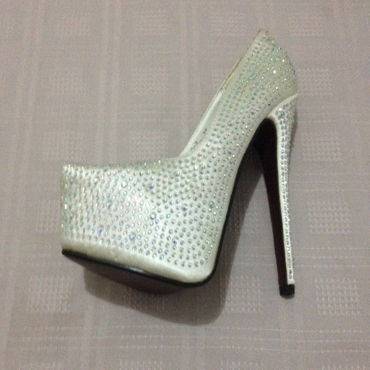 f4d7c3c6f sapato feminino salto alto importado mostruário luxo brilho. Carregando  zoom.