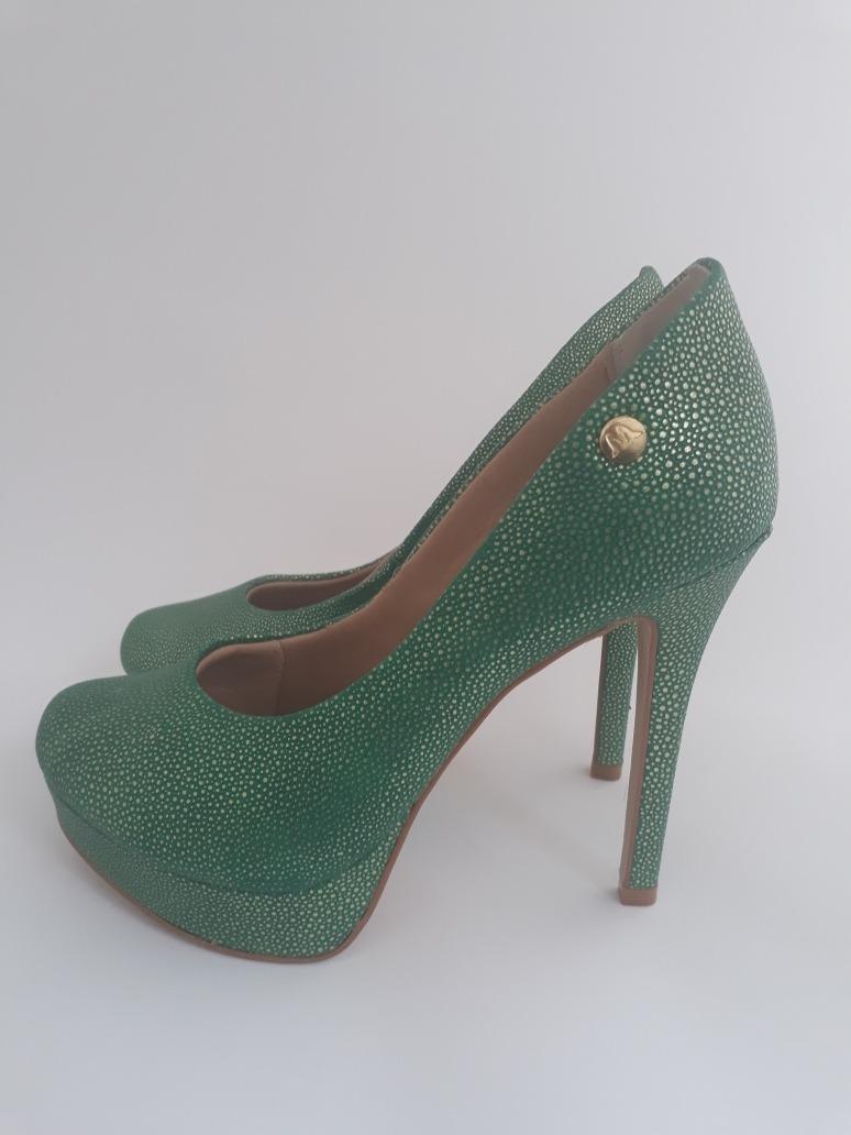 9f5552ae03 sapato feminino salto alto meia pata semi novo tamanho 37. Carregando zoom.