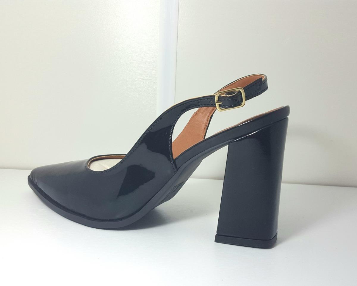 4fbfd91cb6 sapato feminino scarpin salto grosso bico fino fechado preto. Carregando  zoom.