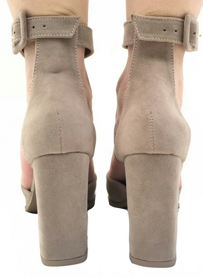 d55b7ea50a sapato feminino scarpins fechado bico fino salto grosso top · sapato  feminino scarpins. Carregando zoom.