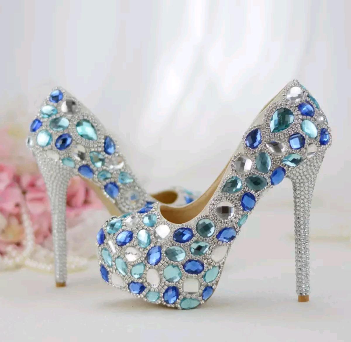 1b529720a sapato festa debutante noiva e madrinha pedrarias coloridas. Carregando  zoom.