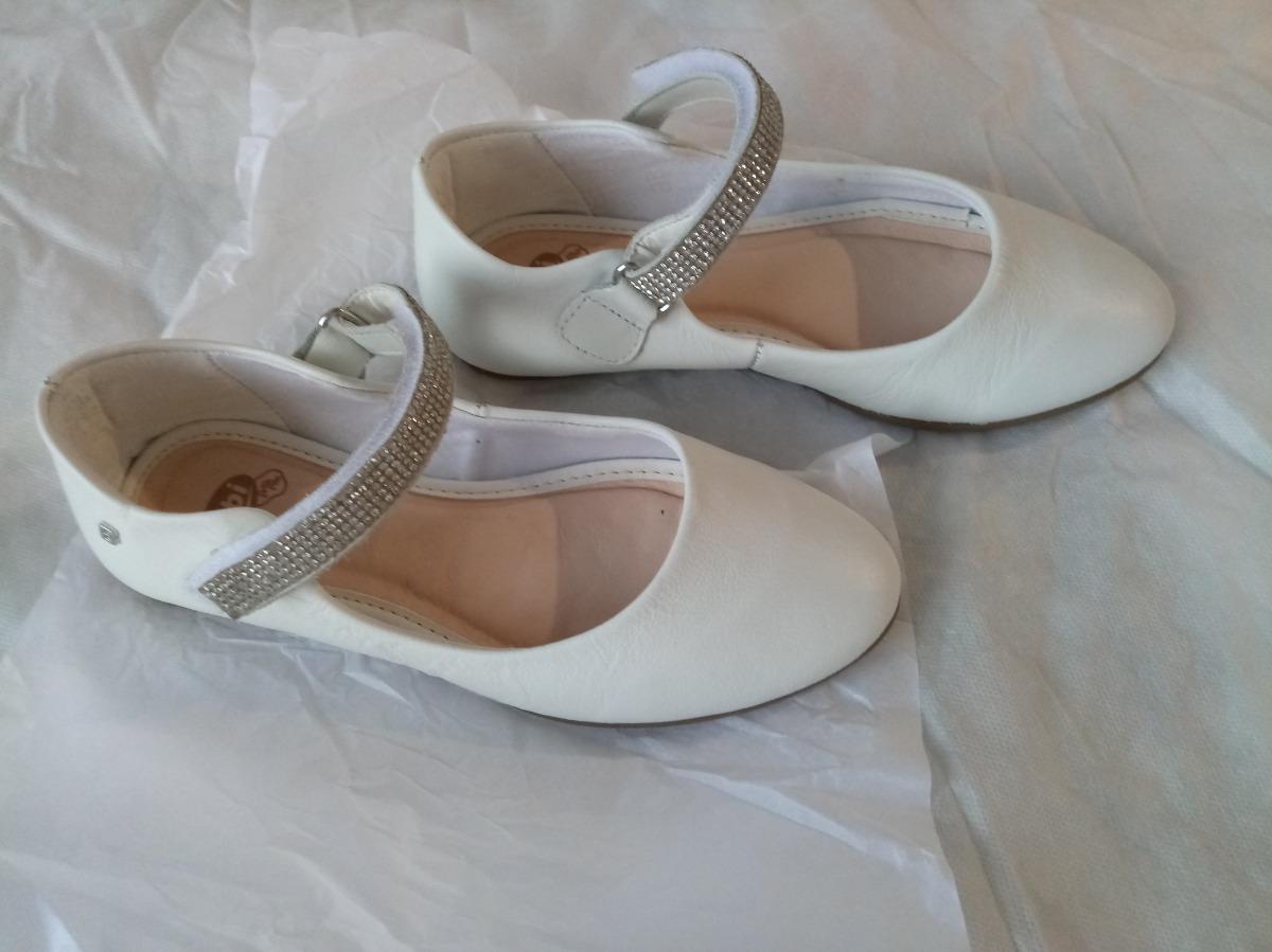 445c584f9e sapato infantil bibi - couro e strass - confortável. Carregando zoom.