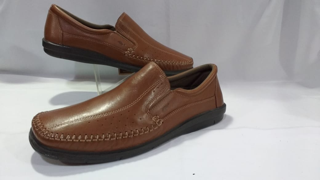 1d1558b822e sapato masculino numeros especiais mocassim tostado 11029ab. Carregando  zoom.