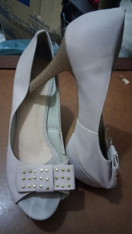 47f1f022f Sapato Meia Pata Linda Luz Usado Bege Nude Com Laço 36 - R$ 55,90 em ...