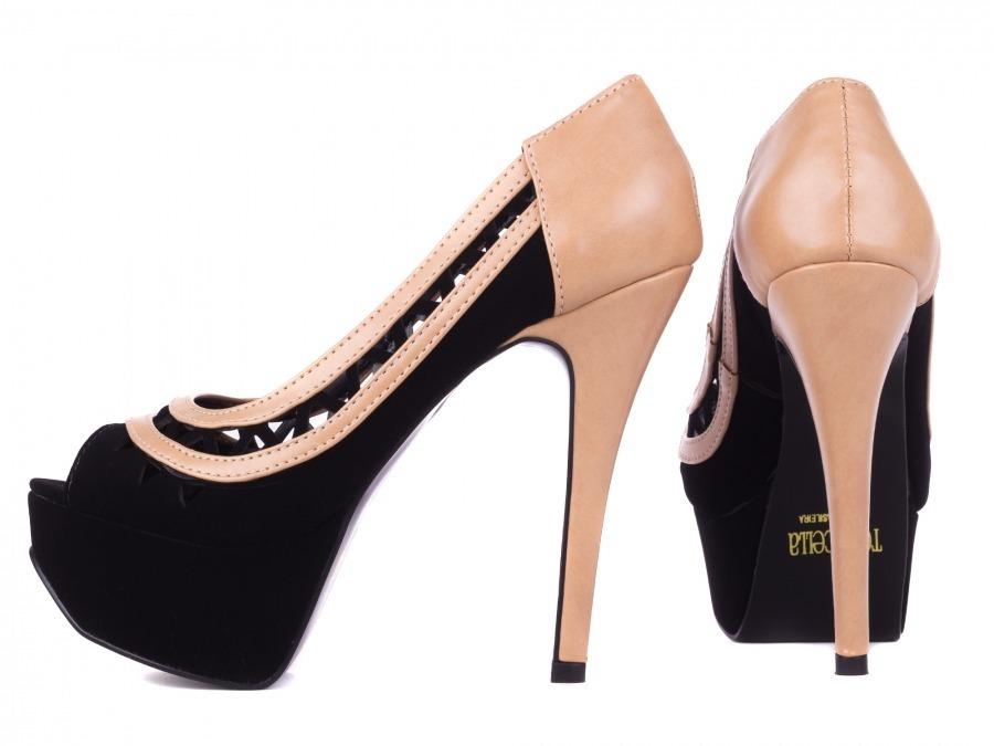 ac49b2396b sapato meia pata nobuck preto e rosê com cortes a laser. Carregando zoom.