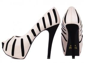 bb92e83099 Sandália Zatz Meia Pata Outros Tipos - Sapatos no Mercado Livre Brasil
