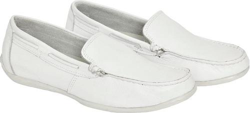 ee55f80376 sapato mocassim branco em couro bergally farmacêuticos 020. Carregando zoom.