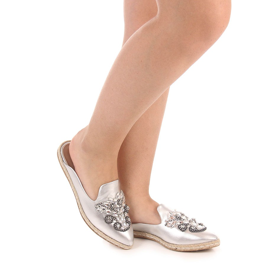 a140235d18 Sapato Mocassim Mule Feminino Brenda Lee - Prata - R  64