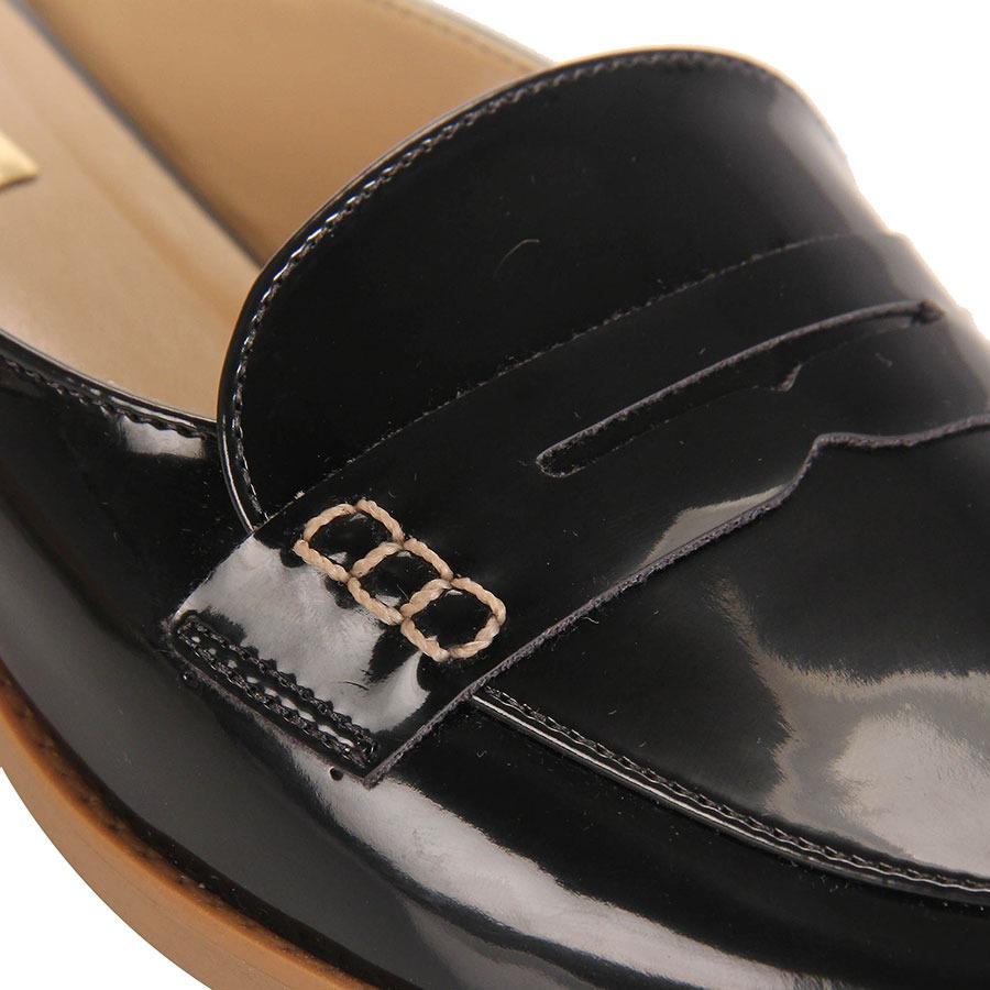 dfb39322d8 sapato mocassim mule feminino brenda lee - preto. Carregando zoom.