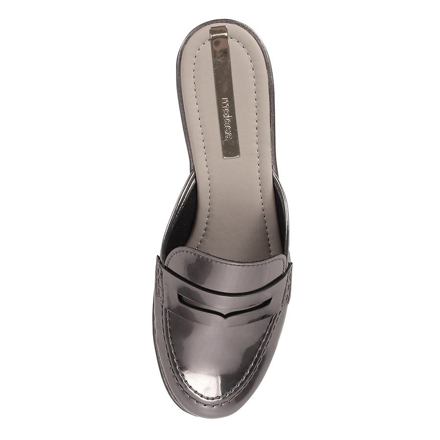 a4d339b88 sapato mocassim mule feminino moleca - prata velho. Carregando zoom.
