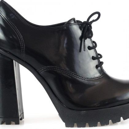 b3e62469e Sapato Oxford Bebecê Tratorado Preto Salto Grosso 9014-170 - R  119 ...
