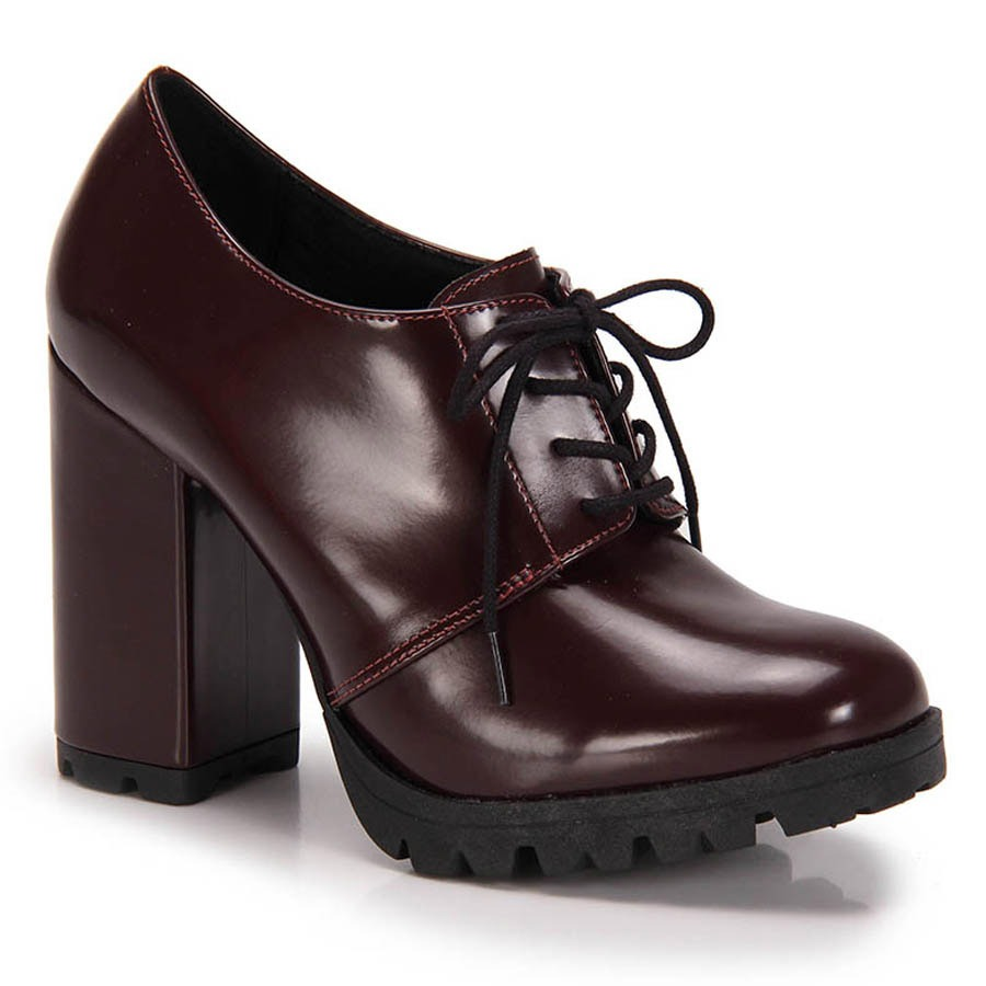 05fe27d0cb Sapato Oxford Salto Grosso Lara Tratorado - Vinho - R  149