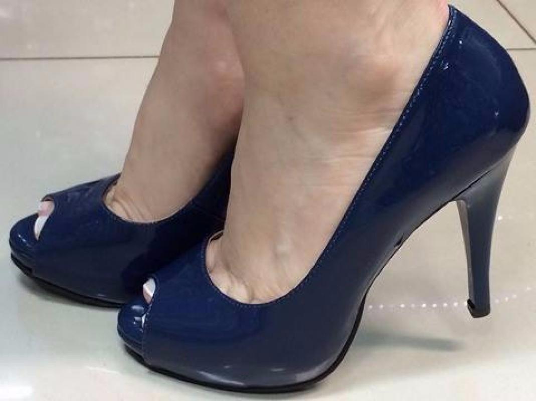 2aa89f2b9 Sapato Bico Aberto Peep Toe Salto Meia Pata Azul Marinho - R$ 164,32 ...