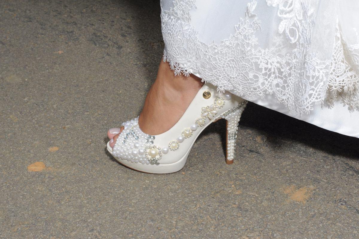 f3b258dc06 sapato personalizado noiva festa. Carregando zoom.