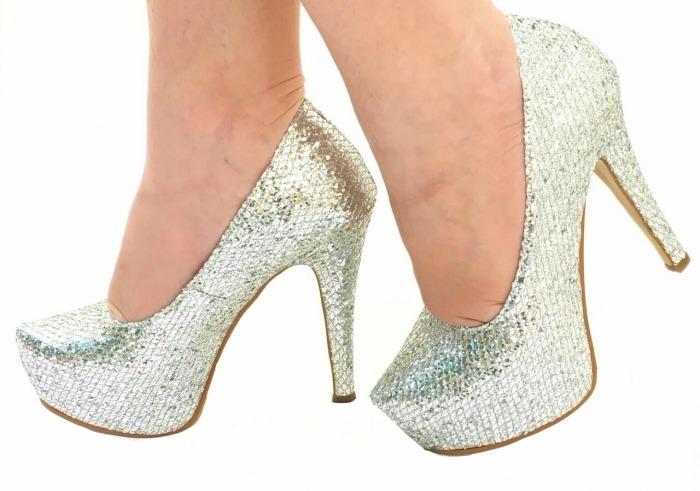 e9c11e136 Sapato Prata Glitter Furta Cor Brilho Salto Alto Meia Pata - R$ 194 ...