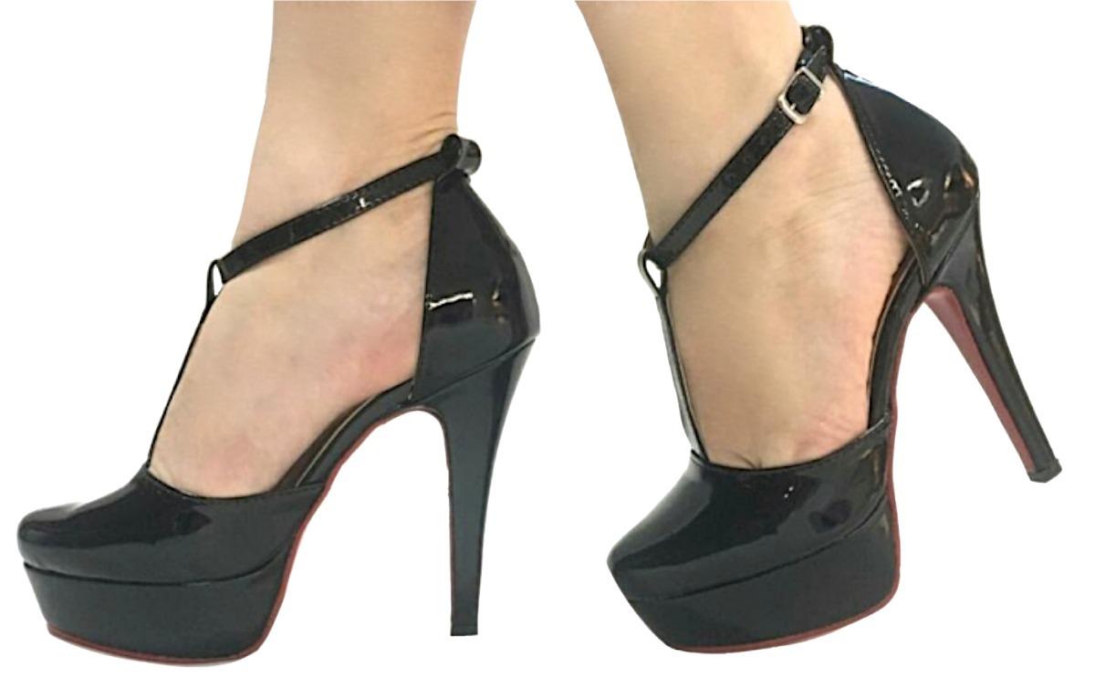 055d68b6c4 sapato salto alto meia pata preto bico redondo boneca. Carregando zoom.